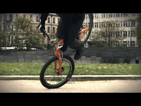 Danny MacAskill как да: G-Turn