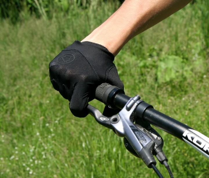 Endura gloves 2 720x612