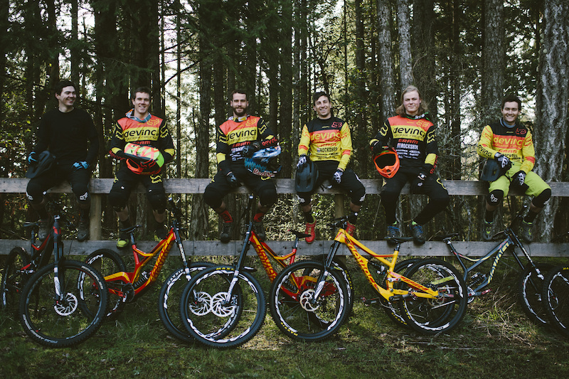 devinci global to step away from uci downhill for 2017