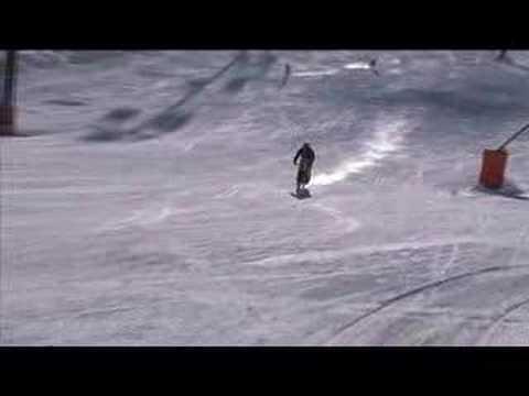 Джи Атертън прескача снежната попивка