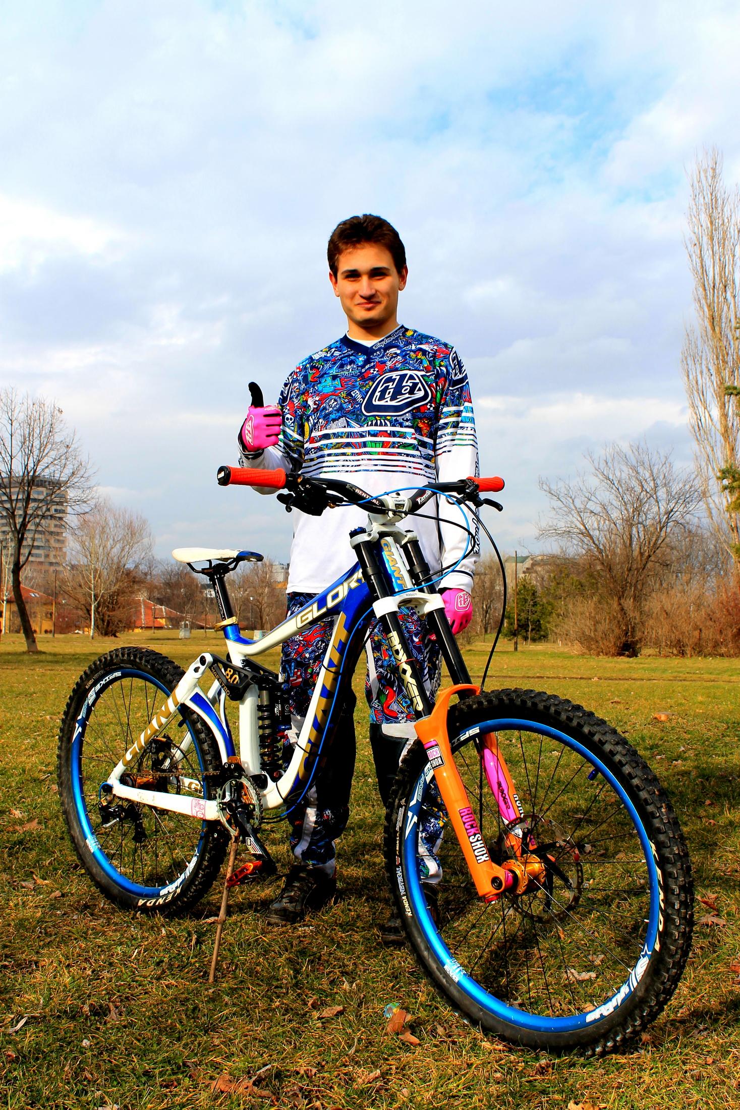 emo stefanov profile
