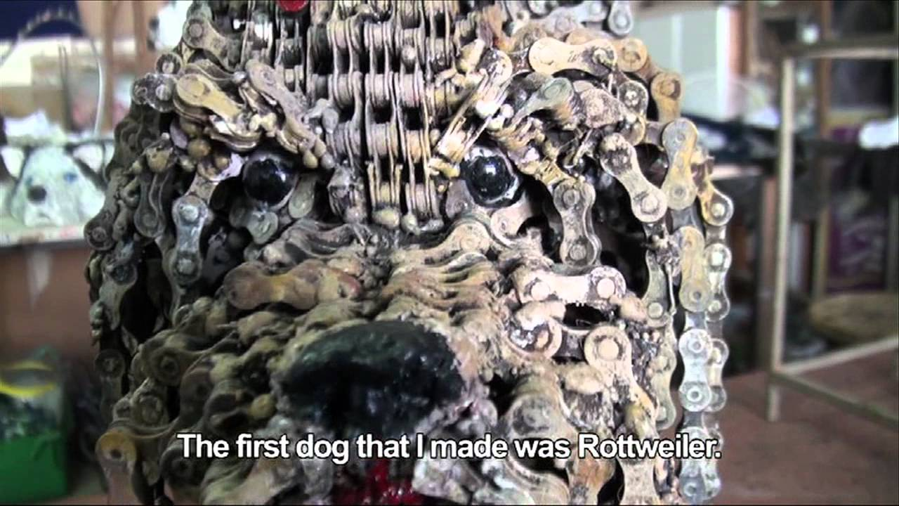 Скулптури на кучета от вериги за колела!